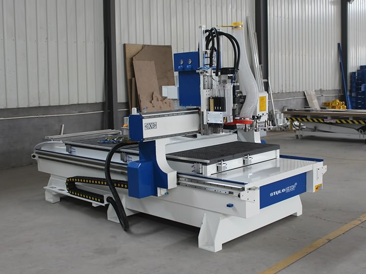 The Second Picture of Disc Automatic Tool Changer CNC Router STM1325D with ATC system