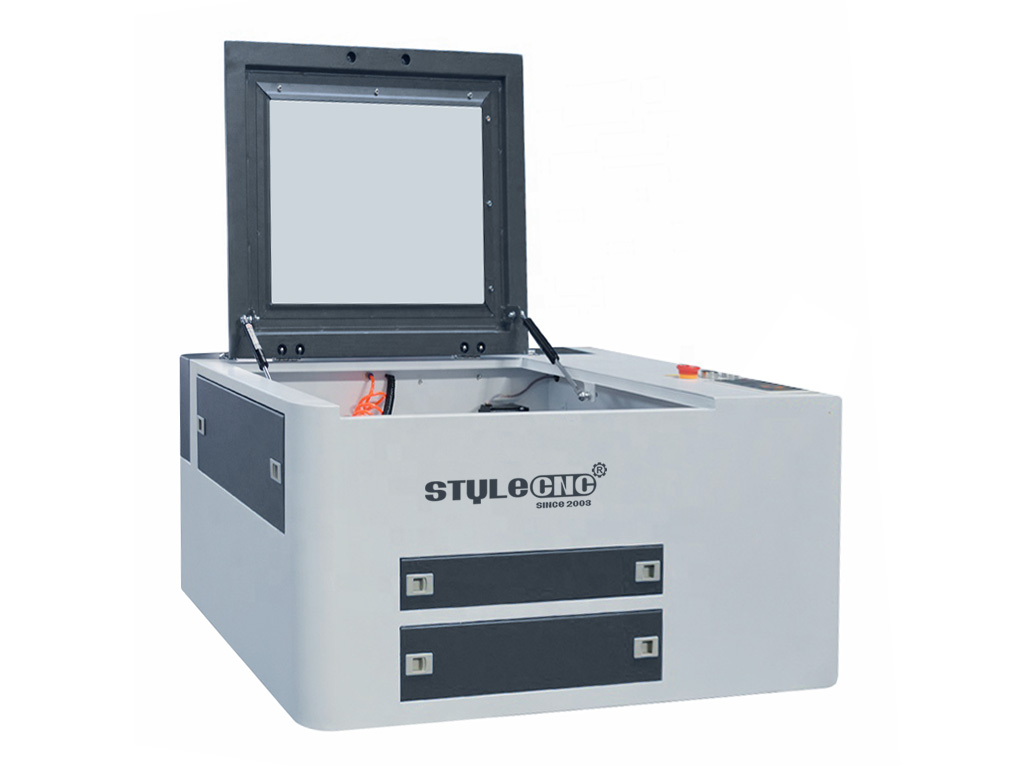 The First Picture of Desktop Laser Engraver/Laser Cutter for Sale
