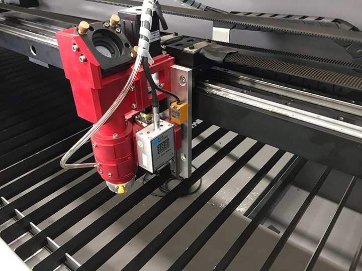 The First Picture of Mixed laser cutter for thin metal and thick non-metal materials