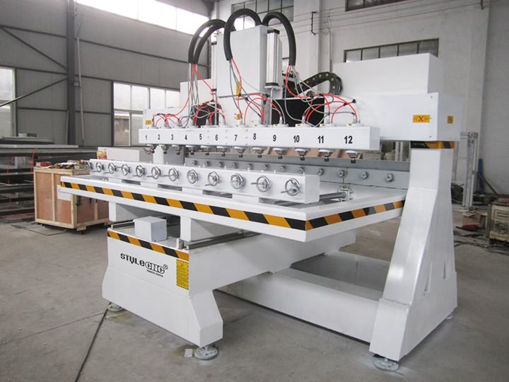 The Second Picture of Multi-heads 3D CNC Router with 12 spindles and rotary device