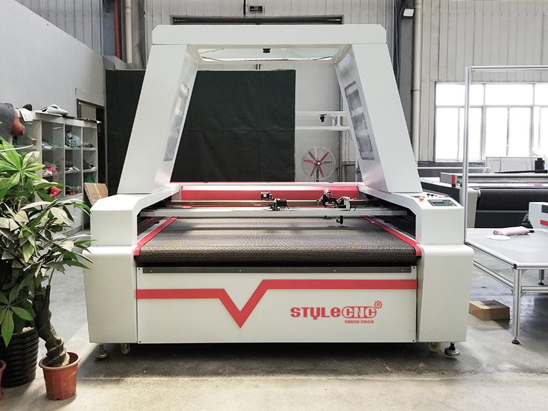 garment laser cutting machine