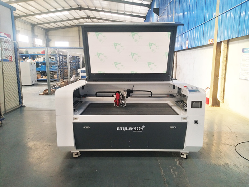 The Second Picture of CNC Metal Cutter with Mixed Laser Cutting Head