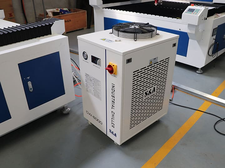 The Fifth Picture of Metal and Nonmetal Laser Cutting Machine 300W