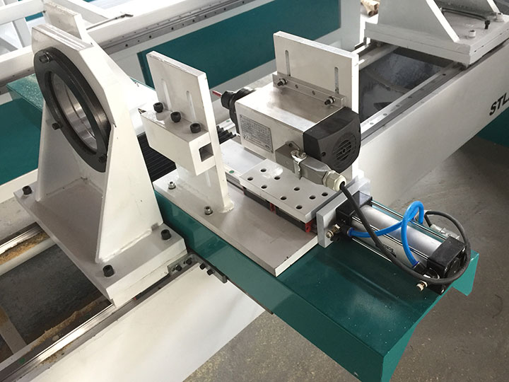 The First Picture of CNC Woodworking Lathe Machine with Single Spindle and Double Cutters
