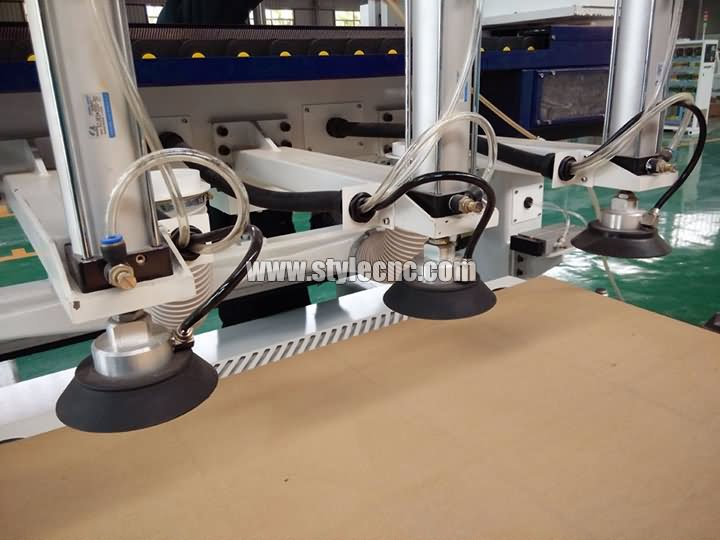 The Second Picture of Automatic nesting CNC router machine with automatic loading and unloading system
