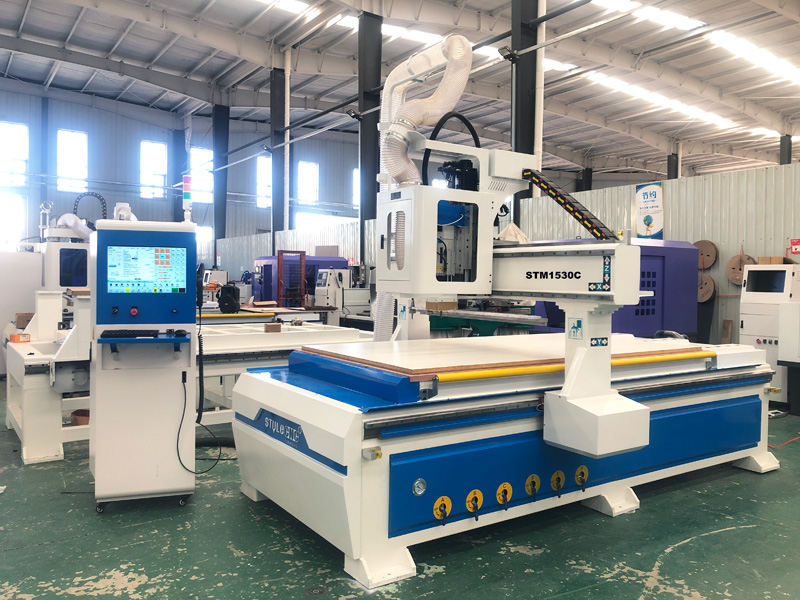 The First Picture of 5x10 CNC Router Machine with Linear Automatic Tool Changer for Sale