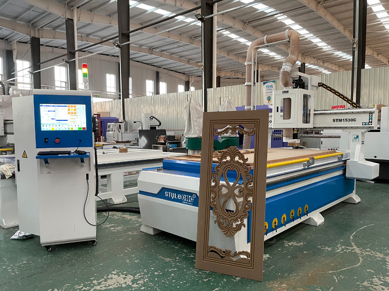 The Second Picture of 5x10 CNC Router Machine with Linear Automatic Tool Changer for Sale