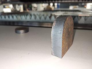 Fiber laser cutting machine cutting stainless steel as automotive accessories