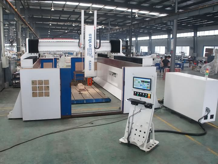 The Second Picture of Industrial 5 Axis CNC Router Machine for 3D Milling and Carving