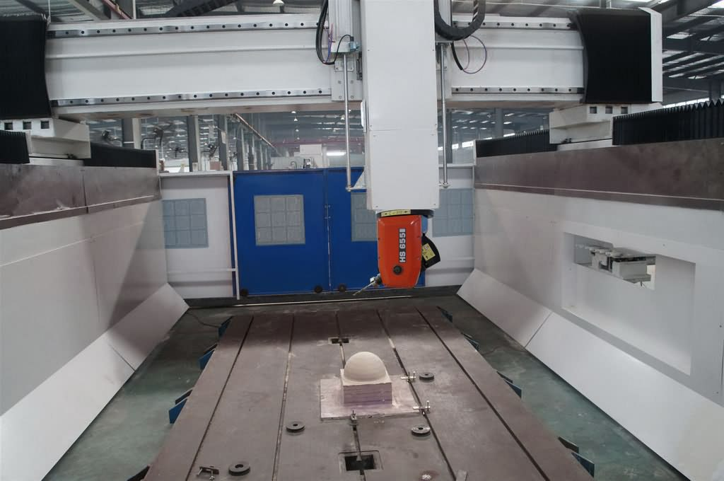 The Third Picture of Large Format 5 Axis CNC Router Machine for 3D Milling and Carving