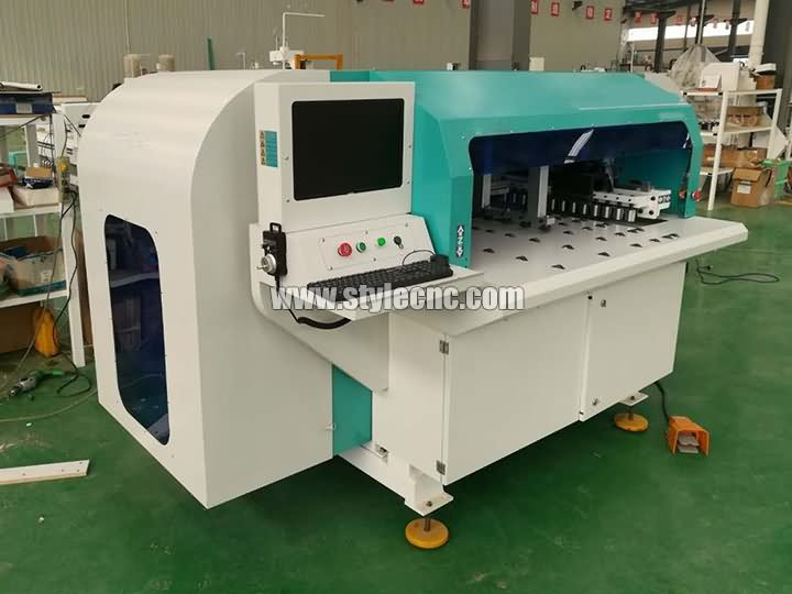 The First Picture of Automatic CNC Drilling and Grooving Machine