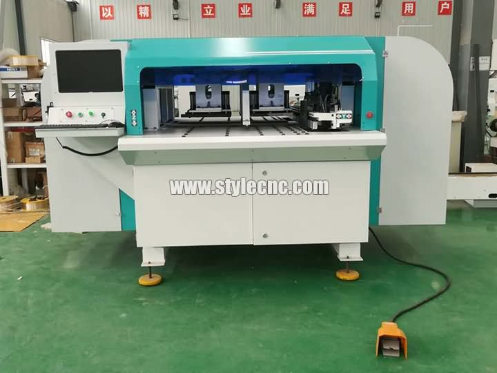 The Second Picture of Automatic CNC Drilling and Grooving Machine