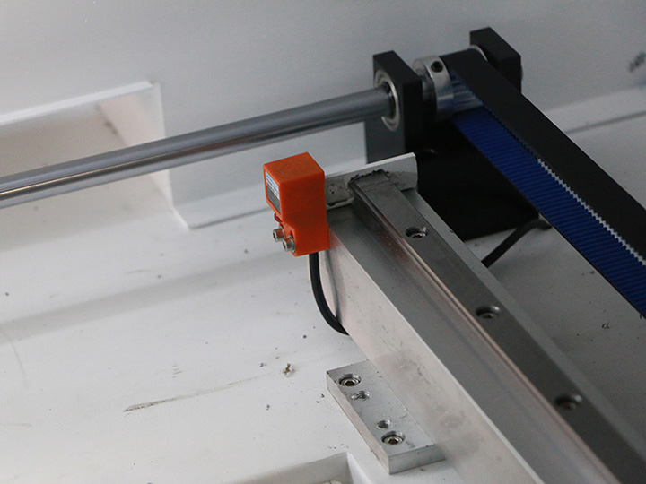 Taiwan Hiwin square rails for hobby laser cutter
