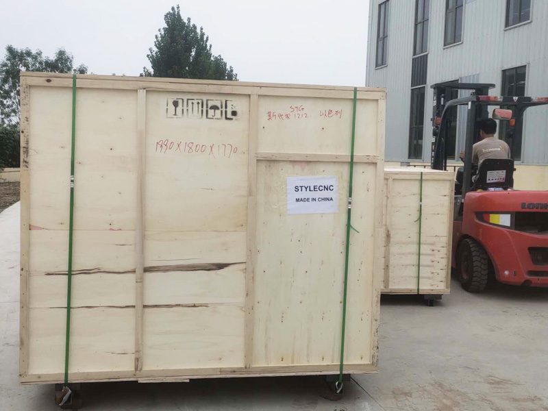 Package of 4x4 CNC router
