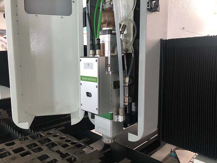 Swiss Raytool brand Auto sensor laser cutting head