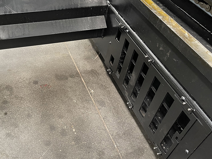 The Fourth Picture of 500W/1000W Fiber Laser Cutting Machine for sale