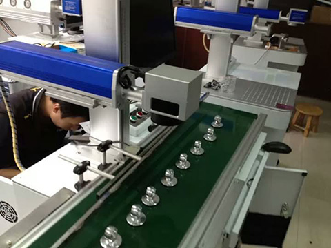 Fiber laser marking machine in metal manufacturing