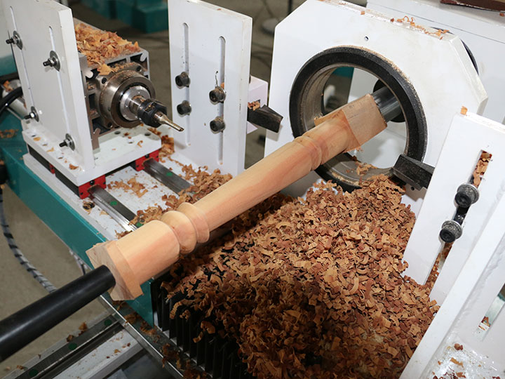 Single spindle double cutters CNC woodworking lathe