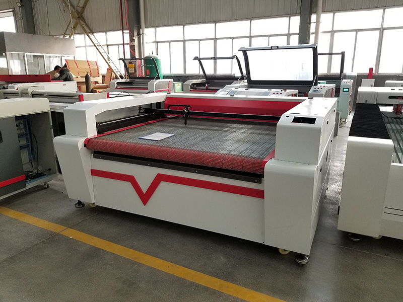 Four heads laser engraving machine