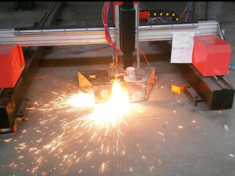 Portable gantry plasma and flame cutting machine