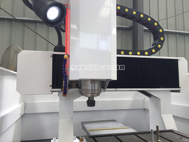 Automatic metal engraving machine spindle