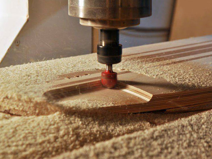 How to Safely Operate a CNC Router Machine for Woodworking?