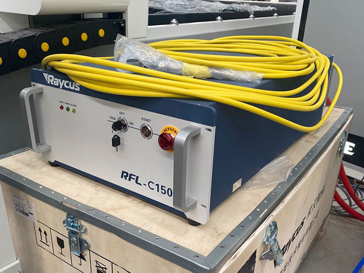 Laser metal cutting machine Raycus laser source