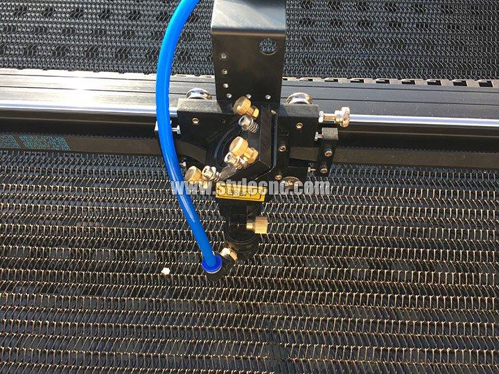 Laser fabric cutter vacuum table