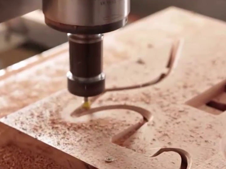 CNC wood router will facilitate large-scale production of furniture