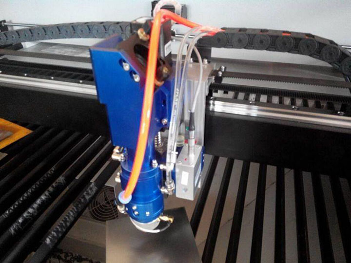Why CO2 laser cutting machine X axis and Y axis shaking?