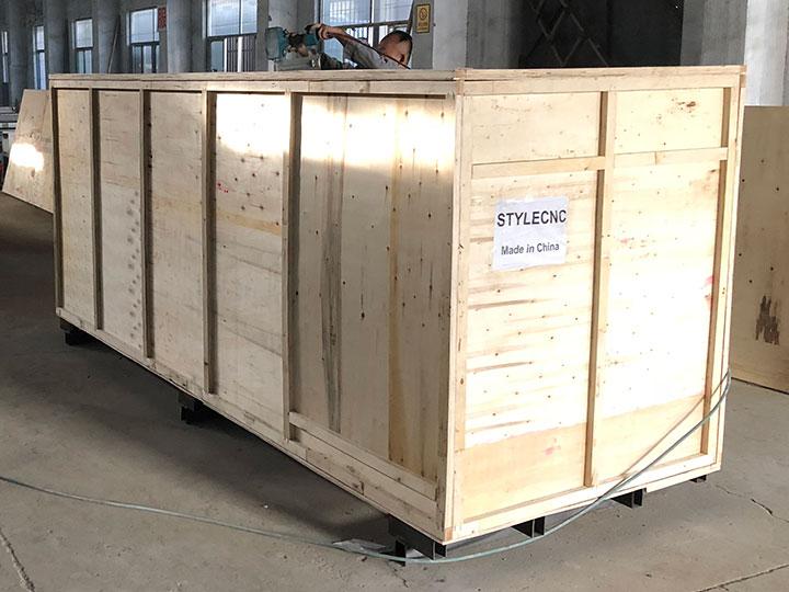 CNC wood turning lathe machine package outside