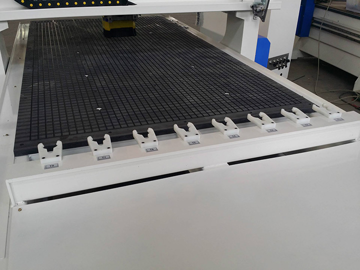 Linear Automatic Tool Changer