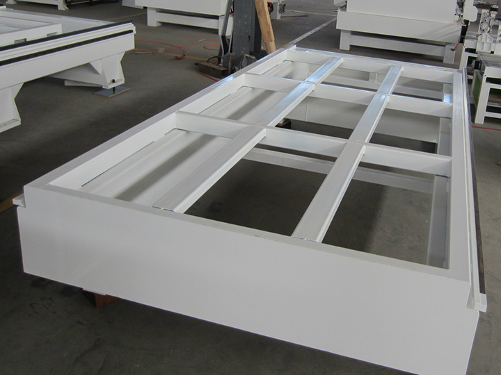 Seamless welded steel structure