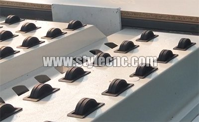 Automatic loading auxiliary device of Customized furniture CNC router
