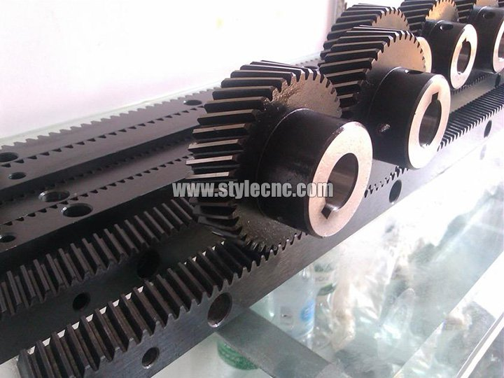 Rack and pinion transmission for CNC router