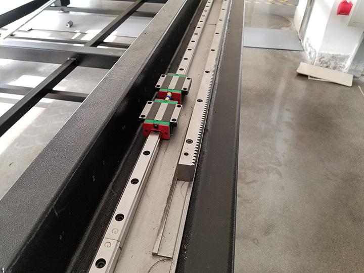 fiber laser cutting machine 1200W