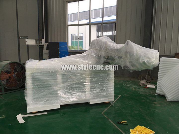 Inside package for Full automatic nesting CNC router
