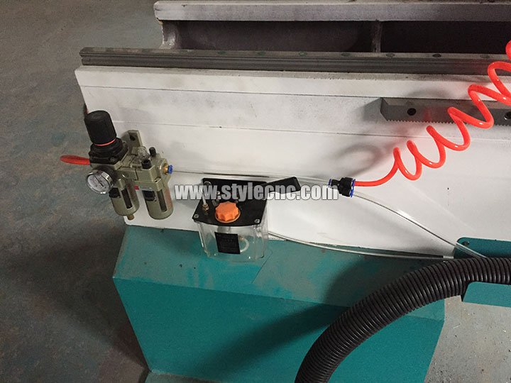 STYLECNC® CNC wood turning lathe machine for Stair handrail auto lubirication
