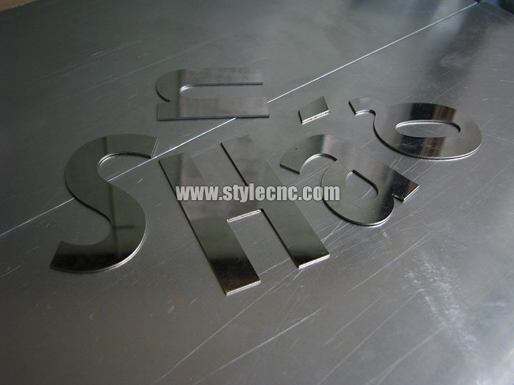 The Third Picture of STYLECNC® 500w IPG fiber laser cutter for metal signs
