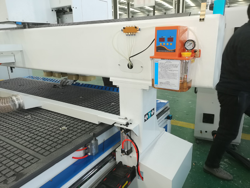 Fuling Inverter for Economical ATC CNC Router Machine