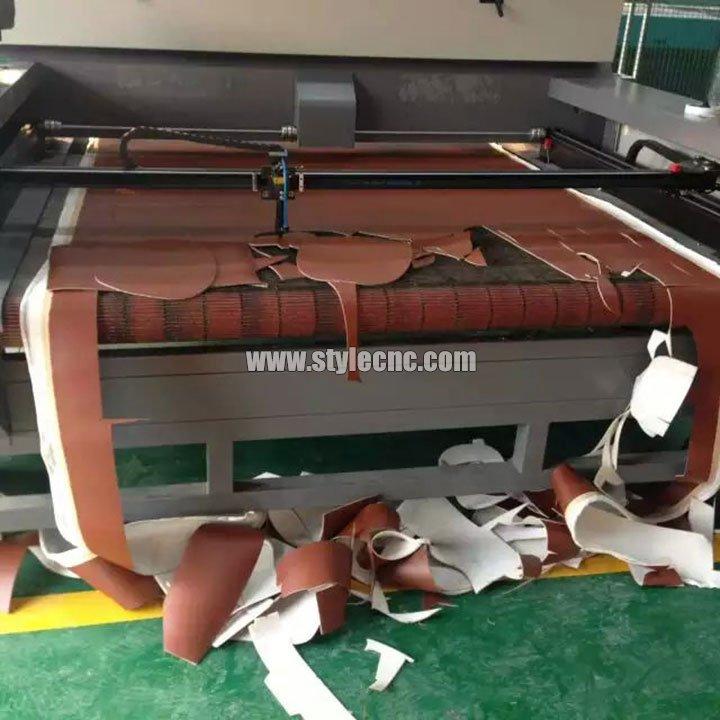 Auto Feeding Co2 Cloth Laser Cutting Machine For Sale