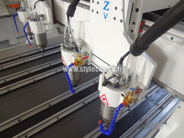 The Second Picture of STYLECNC® 3D CNC router machine 1325 with 4 axis rotary