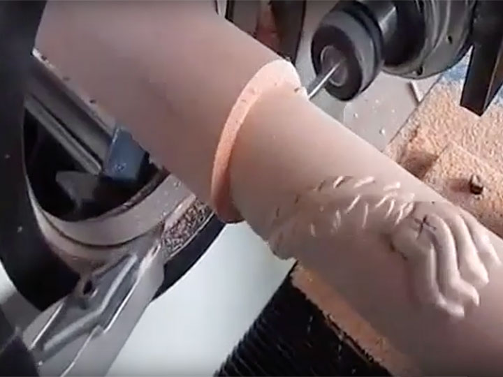 CNC wood turning/carving lathe machine working process