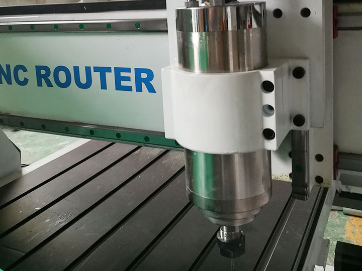 3KW water cooling spindle of 4 axis CNC router