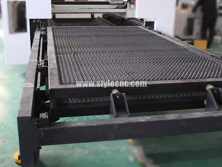 The Second Picture of Dual-Purpose Fiber Laser Cutting Machine for Metal Sheet, Tube and Pipe