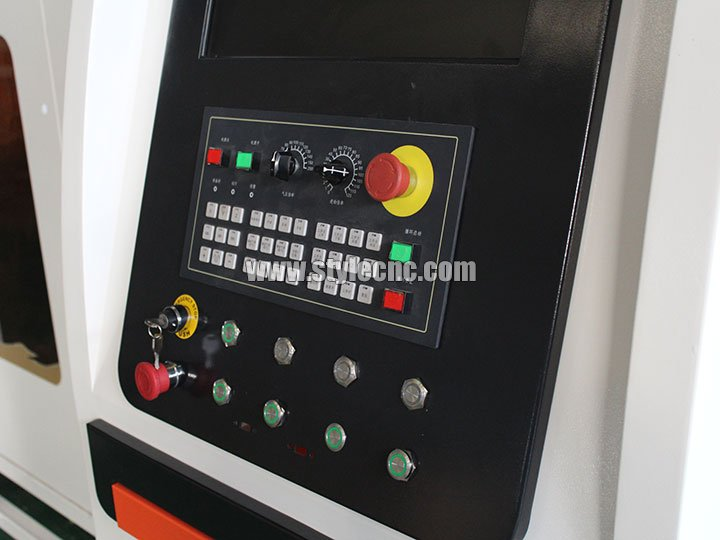 The Third Picture of Dual-Purpose Fiber Laser Cutting Machine for Metal Sheet, Tube and Pipe