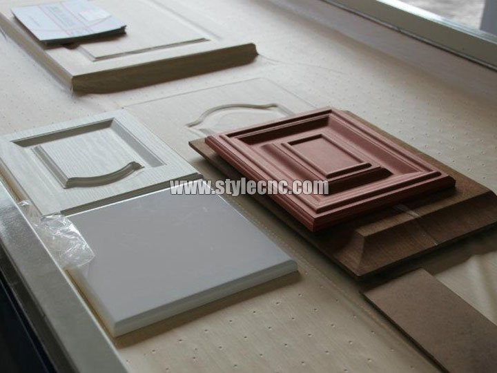 CNC wood carving machine for cabinet doors
