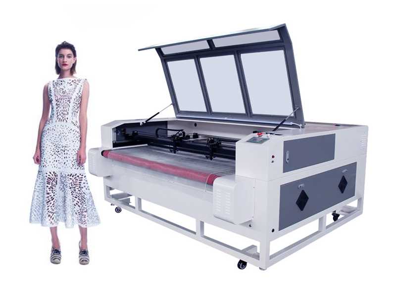 Auto feeding laser cutting machine for fabric cutting