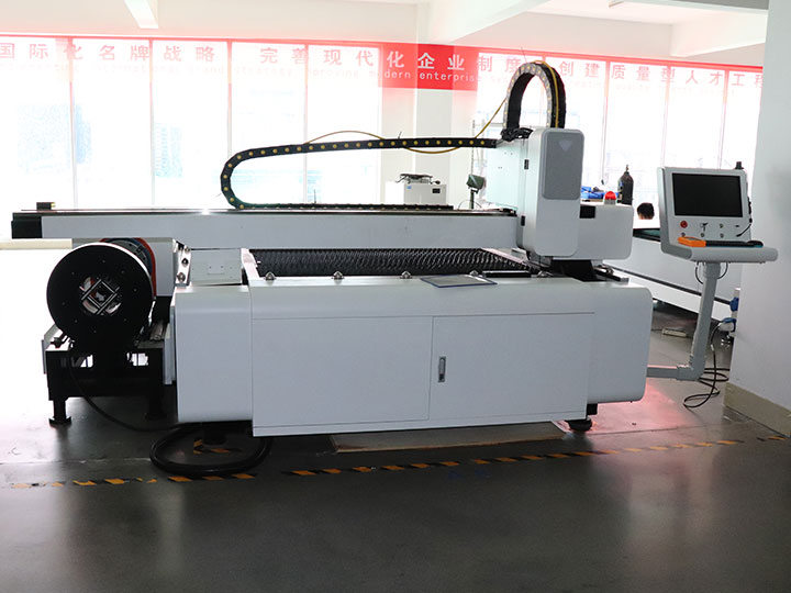 Sheet metal and tubes laser cutting machine in manufacturing