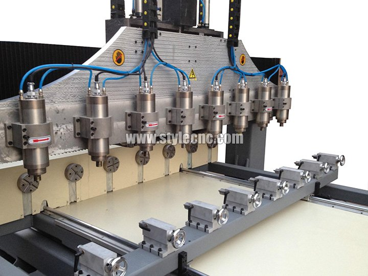 Multi-heads CNC Router with Rotary Axis for Crafts